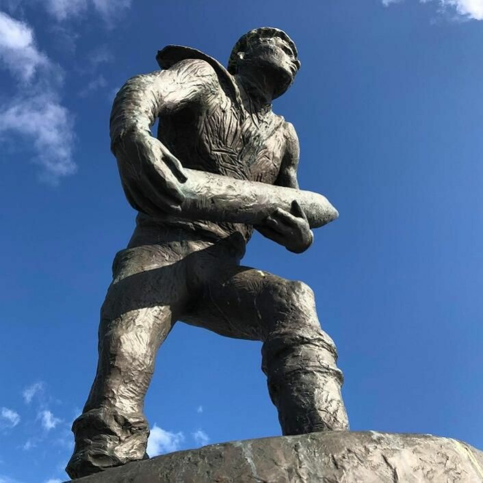 Orlogsgasten er laget av skulptøren Per Palle Storm og ble avduket av kong Harald i 1992. Nå får gasten selskap i den nye parken på 2.500 kvadratmeter. Foto: Oslo Havn KF