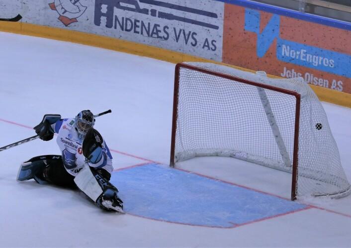 Slagskuddet til Andreas Stene var forskjellen på lagene etter to perioder. Foto: Atle Enersen