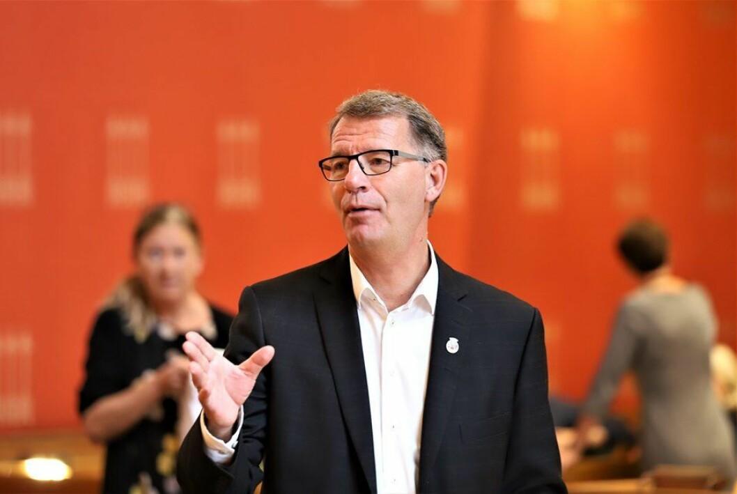 Finansbyråd Robert Steen (Ap) la frem byrådets budsjettforslag for Oslo kommune i 2020 der klimasatsing er fremtredende. Foto: André Kjernsli