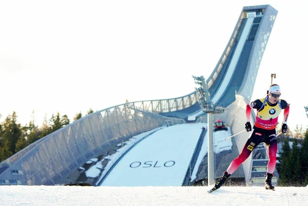 Holmenkollen blir fast finalearrangør av verdenscupen i skiskyting de neste tre årene. På bildet er Johannes Thingnes Bø under verdenscupen i Kollen i mars. Foto: Fredrik Hagen / NTB scanpix