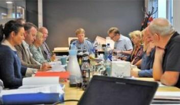 Bystyrets kontrollutvalg har besluttet at miljøbyråd Lan Marie Bergs håndtering av lovbruddene ved den kommunale energigjenvinningsetaten EGE skal granskes. I enden av bordet; utvlgsleder Ola Kvisgaard (H). Foto: Arnsten Linstad.