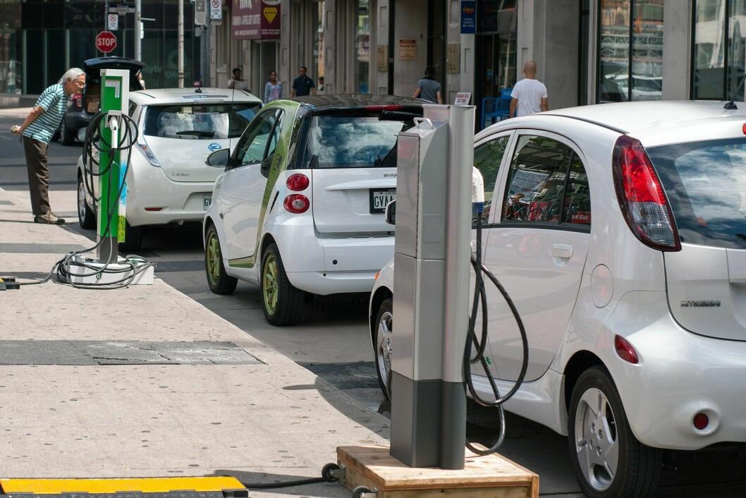 Biler som kjøpes i dag, vil fremdeles være på veiene når nullutslippsmålet skal innfris i 2030. Foto: Mariordo / Wikipedia