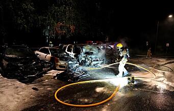 Fem biler brant ved Østre Aker kirke – politiet mistenker ildspåsettelse