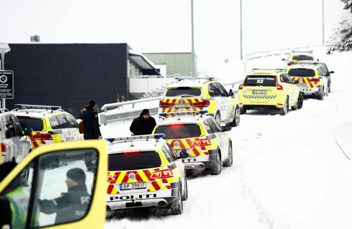 Mannen er også tiltalt for brudd på våpenloven fordi han hadde to maskinpistoler i Audi-en han kjørte. Foto: Audun Braastad / NTB scanpix