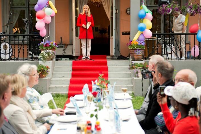 Kronprinsesse Mette Marit til stede ved 25-årsjubileet til Kirkens Bymisjons senter Aksept i 2012. Foto: Fredrik Varfjell / NTB scanpix