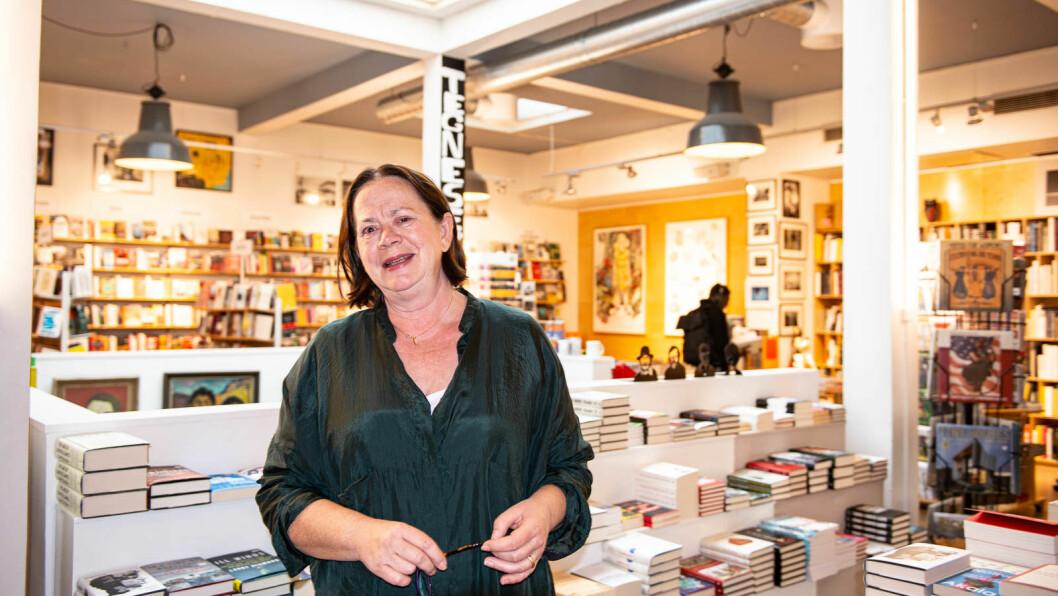 Daglig leder Eva Stenlund Thorsen ønsker at folk skal finne bøker som de ikke visste at de ville ha, som kan utvide perspektivet. Foto: Hilde Kari Nylund