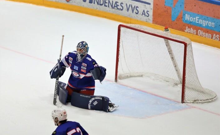 En knallgod keeper er ikke nok til å vinne ishockeykamper. Foto: André Kjernsli