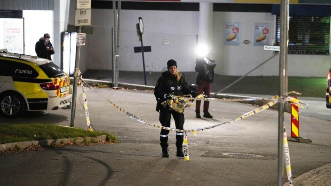 En mindreårig gutt ble pågrepet ved Årvoll før klokken 05.45 i morges. Samtidig er den skadde 18-åringen utenfor livsfare, opplyser politiet. Foto: Fredrik Hagen / NTB scanpix