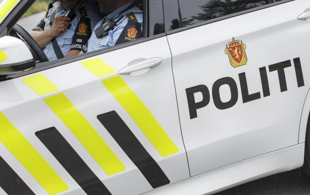 Nødetatene har rykket ut til melding om brann i to biler på Rødtvet. Foto: Gorm Kallestad / NTB scanpix