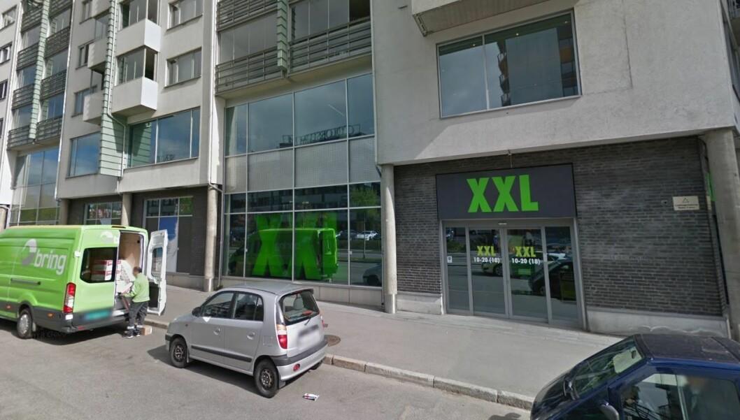 XXL-ledelsen innrømmer at ansatte i XXL Storo ikke er alene om å ha jobbet gratis på dugnad, men sier de har ryddet opp i dette. Foto: Google maps