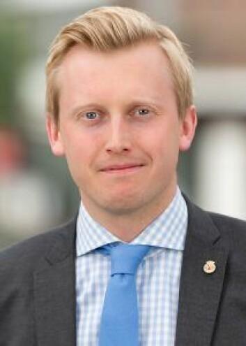 Øystein Sundelin (H) mener at opposisjonen nå må vurdere mistillitsforslag mot MDG. Foto: Privat