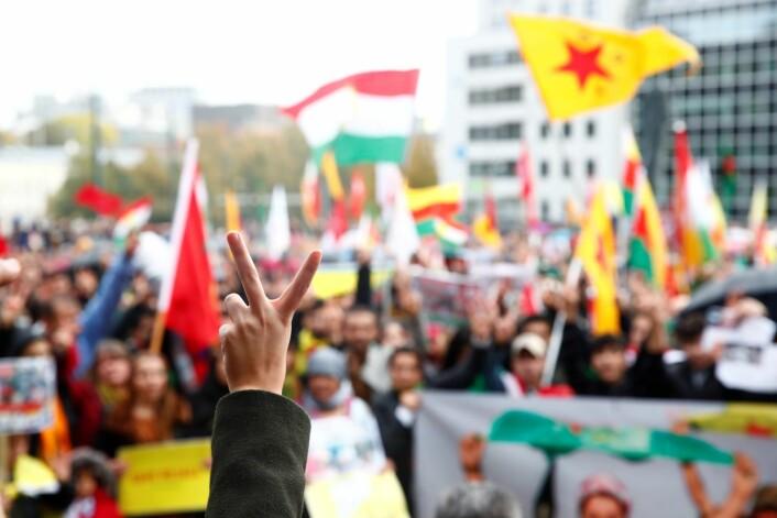 Svært mange møtte opp i Oslo lørdag for å demonstrere mot Tyrkias militæroperasjon i Syria. Foto: Terje Pedersen / NTB scanpix