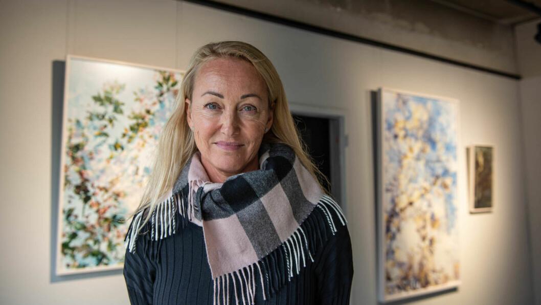 – Fotografi er en veldig åpen kunstform, så terskelen inn er lav. Nå er interessen stor for fotografi, sier Helene Gulaker Hansen i Shoot Gallery. Foto: Hilde Kari Nylund