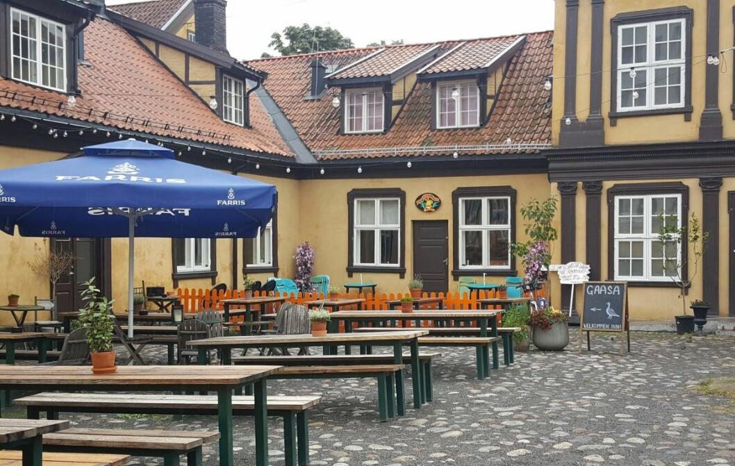 Gaasa og Mangelsgården i det fredete anlegget Prinds Christian Augusts Minde (Prindsen) i Storgata 36 i sentrum. Foto: Tarjei Kidd Olsen