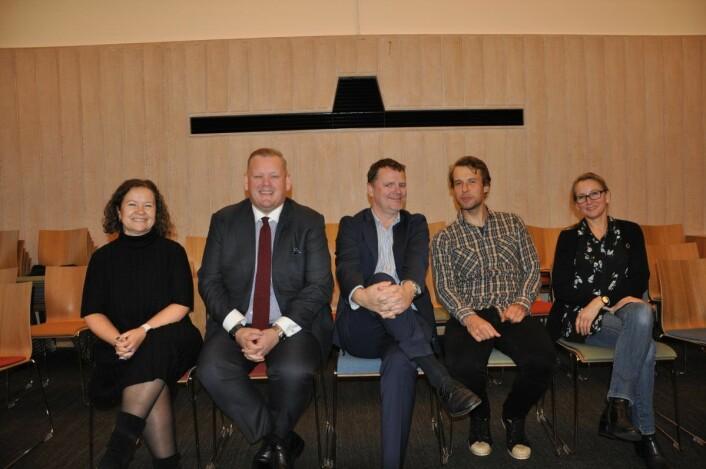 Blågrønt samarbeid i bydel Frogner (fra venstre); Mette Spurkeland (H), Carl-Henrik Sand Bastiansen (H), Jens Jørgen Lie (H), Adam Tumidajewicz (MDG) og Marina Heyerdahl (MDG). Foto: Arnsten Linstad