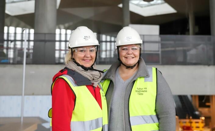 F.v. Eli Grimsby og Marthe Scharning Lund er strålende fornøyd med bygget. Foto: André Kjernsli