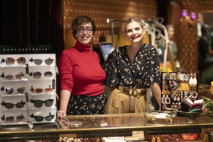 Ellen Marie Garåsen og Elise Dingstad fikk nok av meningsløse og dårlig betalte jobber og oppfylte drømmen sin. Foto: Olav Helland
