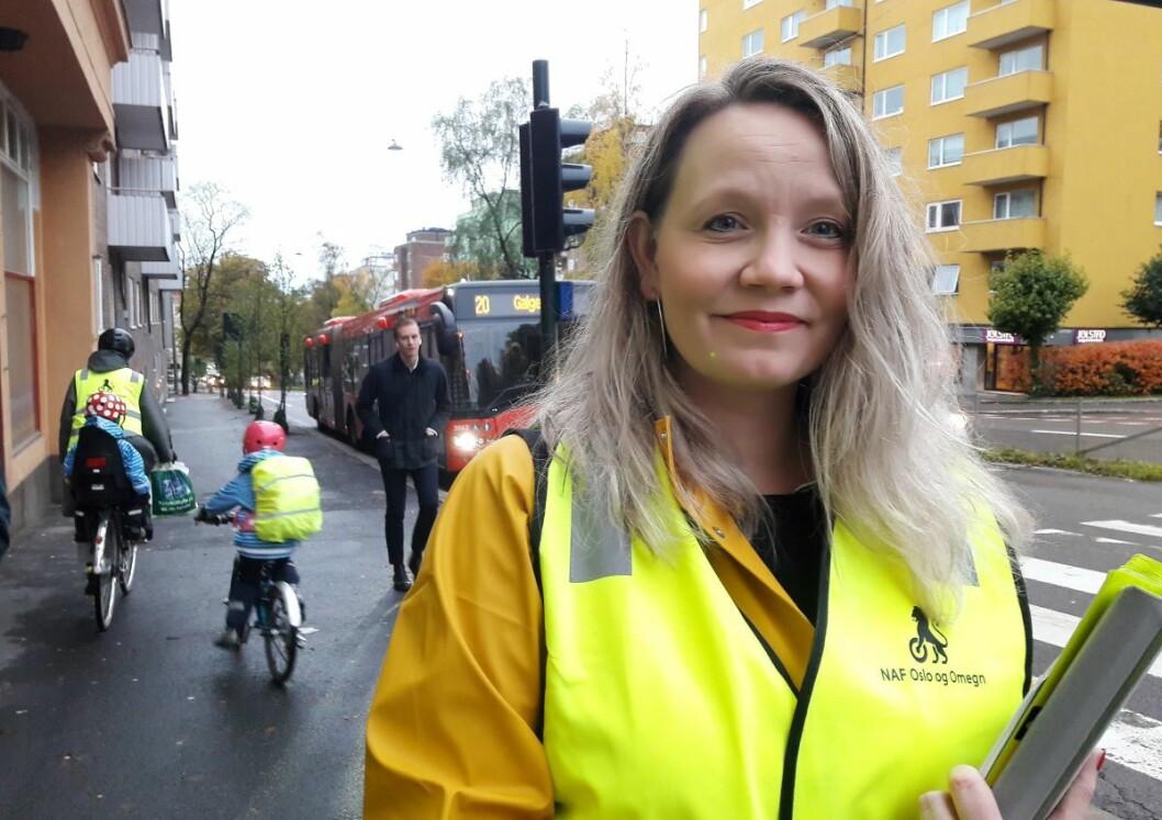 FAU-leder ved Marienlyst skole, Marianne Pheiff har selv opplevd alle foreldres mareritt, at barnet ble påkjørt i trafikken. Nå samarbeider FAU med NAF og beboerforeningen om en oppgradering av krysset Kirkeveien og Ullevålsveien. Foto: Anders Høilund