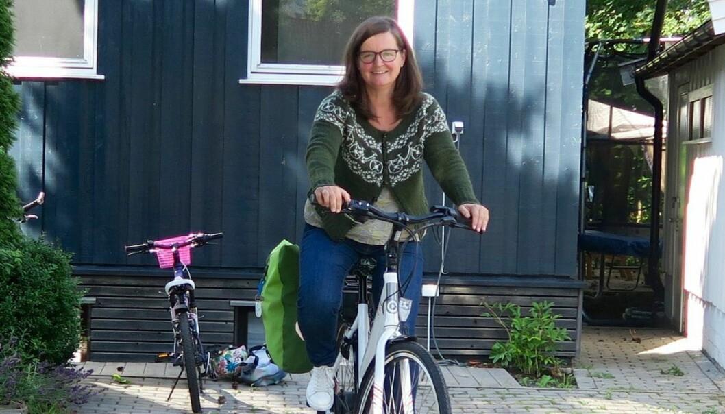 Nå er jeg klar for en ny vinter, i vanlige klær, i sakte fart langs Kirkeveien, sier Ann Myhre. Hun er sykepleier, sykler i jobben og kaller seg saktesyklist.