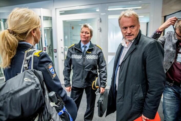 Beate Gangås (i midten) og byrådslederen i Oslo, Raymond Johansen, møtes om hvordan å bekjempe helgevolden i Oslo. Foto: Stian Lysberg Solum / NTB scanpix