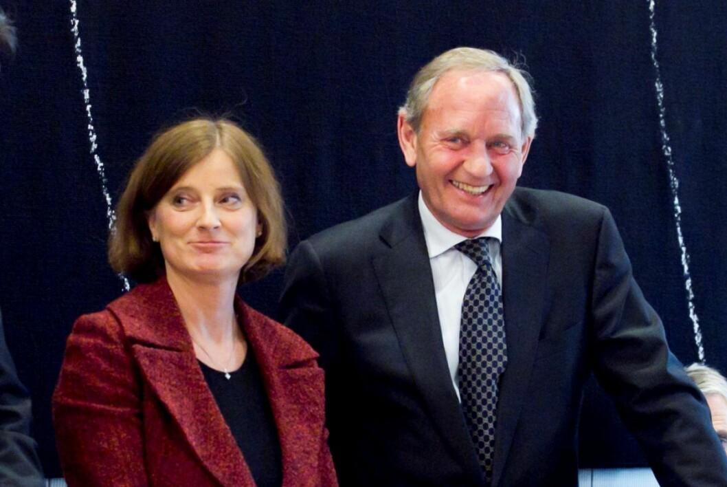 Hanne Harlem (til v.) avbildet med tidligere styreleder ved Ullevål universitetssykehus, Frode Alhaug under en høring i Stortinget. Foto: Heiko Junge / Scanpix
