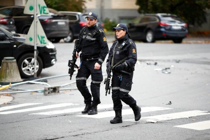 En mann er siktet for drapsforsøk etter at han kapret en ambulanse i Oslo tirsdag. Foto: Håkon Mosvold Larsen / NTB scanpix