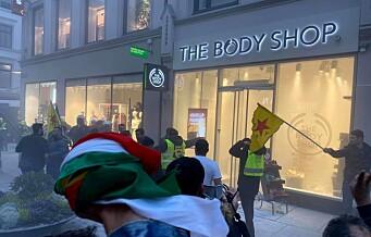 Politiet brukte tåregass for å roe ned demonstranter på Karl Johan