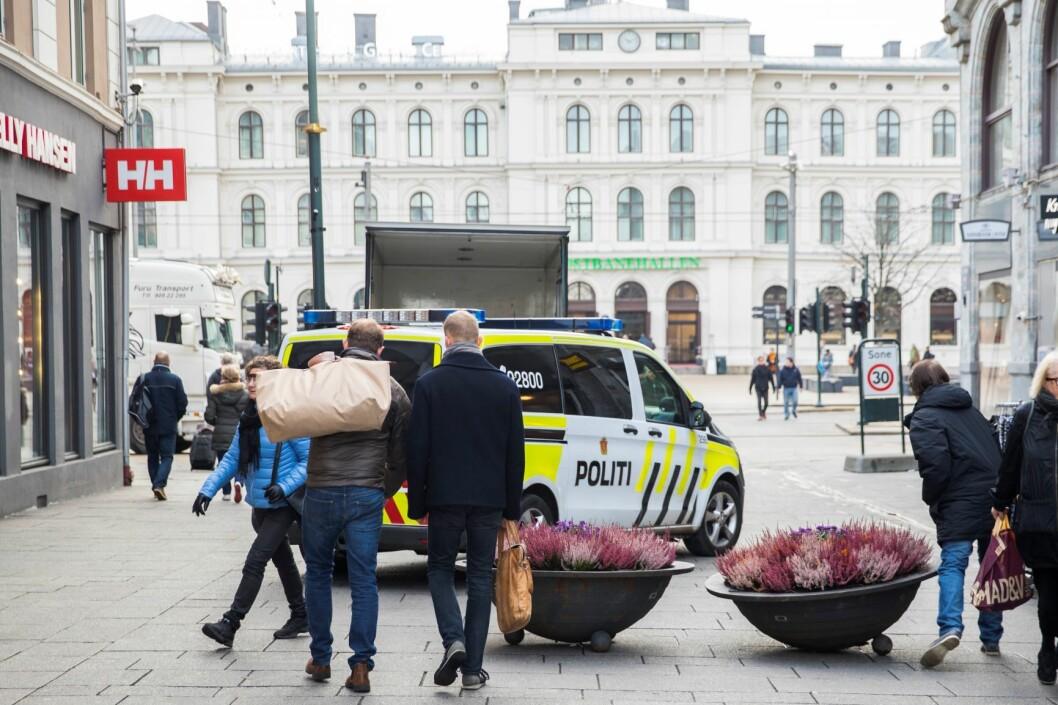Mannen ble arrestert i Karl Johans gate med et falskt politiskilt rundt halsen og eksplosiver i sekken. Illustrsasjonsfoto: Håkon Mosvold Larsen / NTB scanpix
