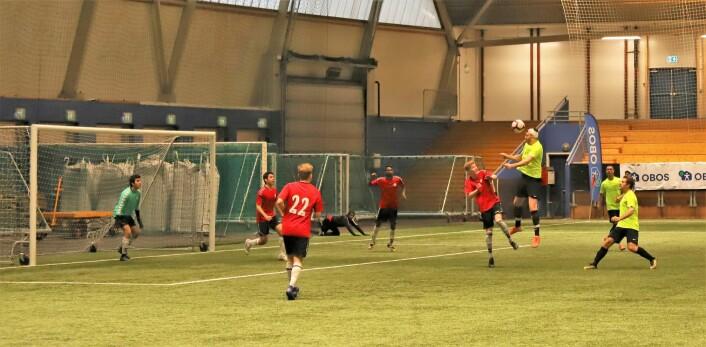 Gamle Oslo fotballklubb hoppet høyere og sparket hardere enn forventet. Foto: Arvid Sivertsen