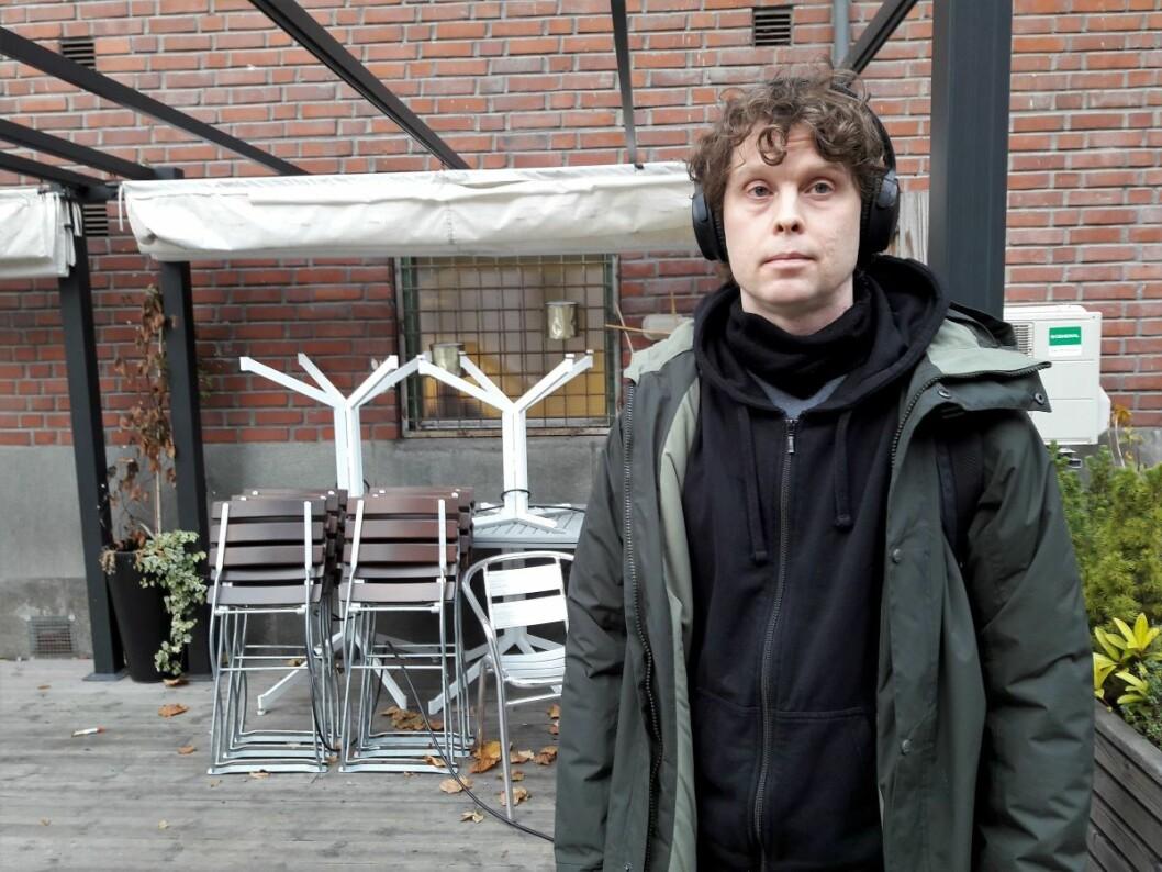 Nikolai Dragnes (41) bor på Carl Berners plass og har sett sammenhengen mellom luftkvalitet og vedfyring