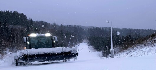 Bare å finne frem skiene. Skiløypa i Holmenkollen har åpnet