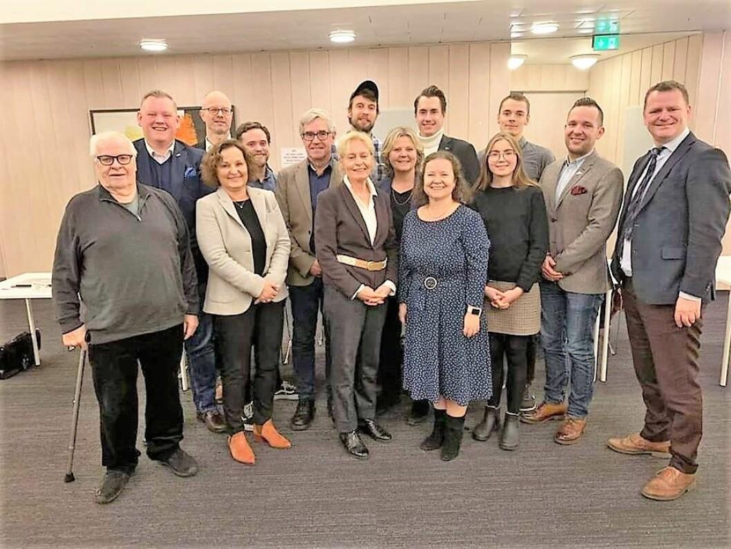 11 av 15 representanter i det nye bydelsutvalget for Bydel Frogner. Til høyre leder av bydelsutvalget, Jens Jørgen Lie. Foto: Bydel Frogner