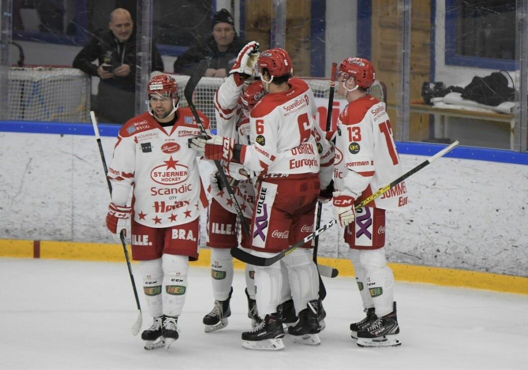 Stjernen-spillerne kunne juble for en total snuoperasjon etter å ha ligget under 2-0 etter første periode mot Grüner torsdag kveld. Kampen endte til slutt  Foto: Christian Boger