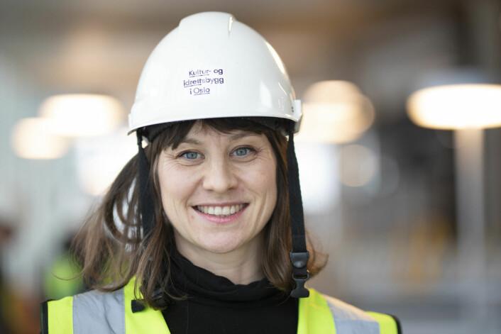 Byråd Rina Mariann Hansen fikk æren av å gå ut med datoen for åpningen av det nye hovedbiblioteket i Oslo. Foto: Olav Helland