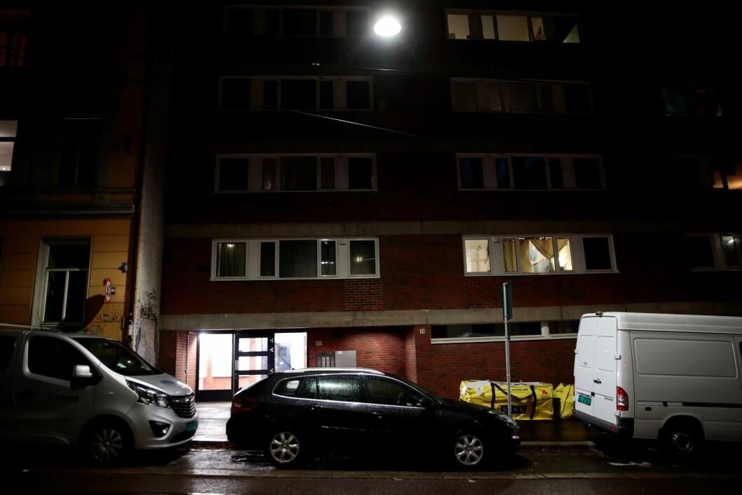 En kvinne er siktet for drap etter at en død kvinne ble funnet i leiligheten hennes i Oslo sentrum torsdag. Den siktede kvinnen ble pågrepet tirsdag etter et knivangrep på Oslo S. Foto: Håkon Mosvold Larsen / NTB scanpix