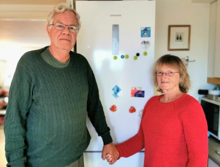 — Det kan da ikke være lovlig å kutte strømmen uten å varsle på forhånd, mener Geir Hem og Ingrid Franck-Nielsen. Foto: Christian Boger
