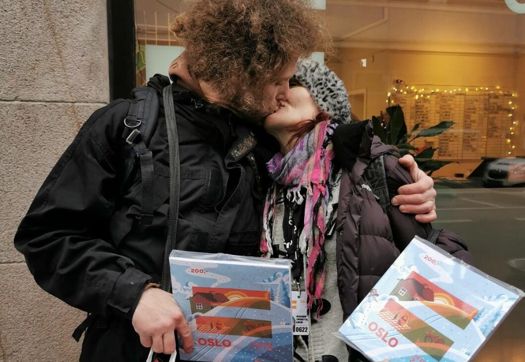 Thomas Alexander og Hildegunn er begge =Oslo-selgere - og et par. Foto: Karoline Aanesen