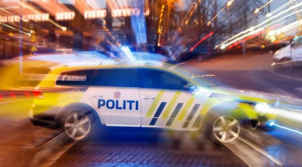 To personer er kjørt til legevakt for sjekk etter en mindre kjedekollisjon i Stenersgata i Oslo sentrum fredag morgen. Illustrasjonsfoto: Heiko Junge / NTB scanpix