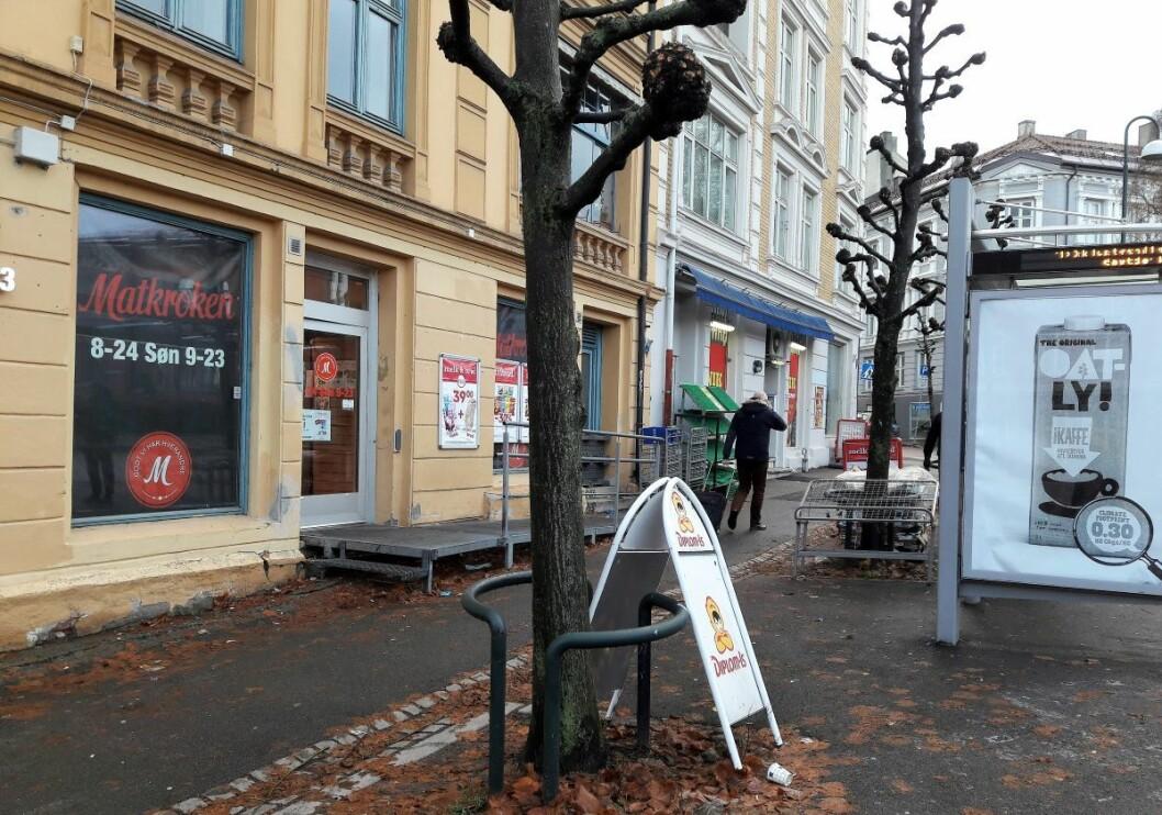 Matkroken i Schweigaards gate har åpent nesten døgnet rundt. Lokalet er til salgs med prisantydning på 6,5 millioner kroner. Foto: Anders Høilund