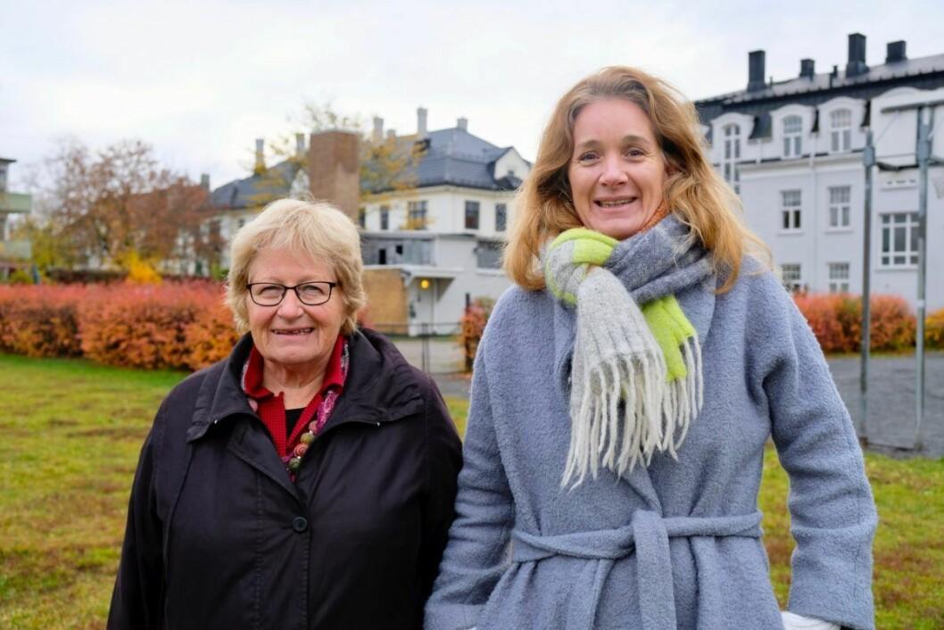 Helga Arnesen (t.v.) og Siri Arnesen (t.h.) håper at det nye bystyret vil prioritere bruken av huset til fordel for folk flest. Foto: Emilie Pascale