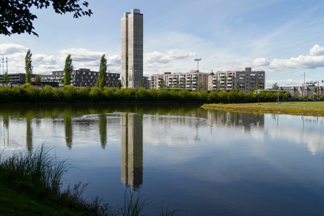 Vannspeilet i Middelalderparken skal tømmes for vann på grunn av anleggsarbeider. Bassenget vil være fyll opp igjen før sommeren. Foto: Kristian Velkovskij