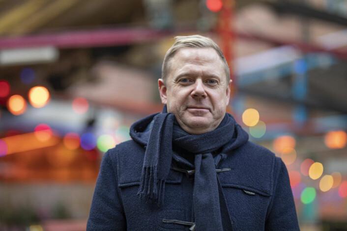 Håkon Pettersen holdt egentlig på en hovedoppgave på universitetet, men fant at ut at det å drive utested var mer givende. Foto: Olav Helland