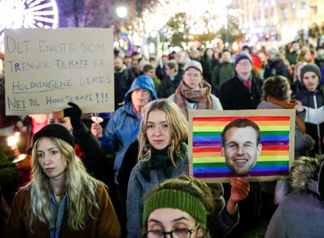 Demonstrasjonen var arrangert av organisasjonen FRI, sammen med Skeivt kristent nettverk og Salam. Foto: Stian Lysberg Solum / NTB scanpix