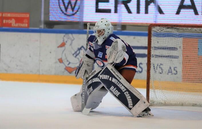 18-åringen Tobias Johansen Breivold var mannen i buret til Vålerenga ishockey mot Grüner. Foto: André Kjernsli