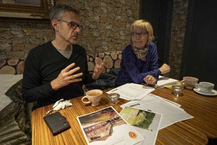 Per Gunnar Dahl og Andrea Gaarder sitter på mye engasjement og lokale kunnskaper om Sophies Minde. Foto: Olav Helland