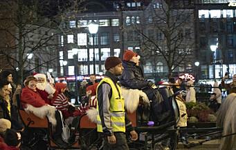 I går åpnet julegatene i Oslo sentrum og se, ordfører Marianne Borgen fikk klem av julenissen