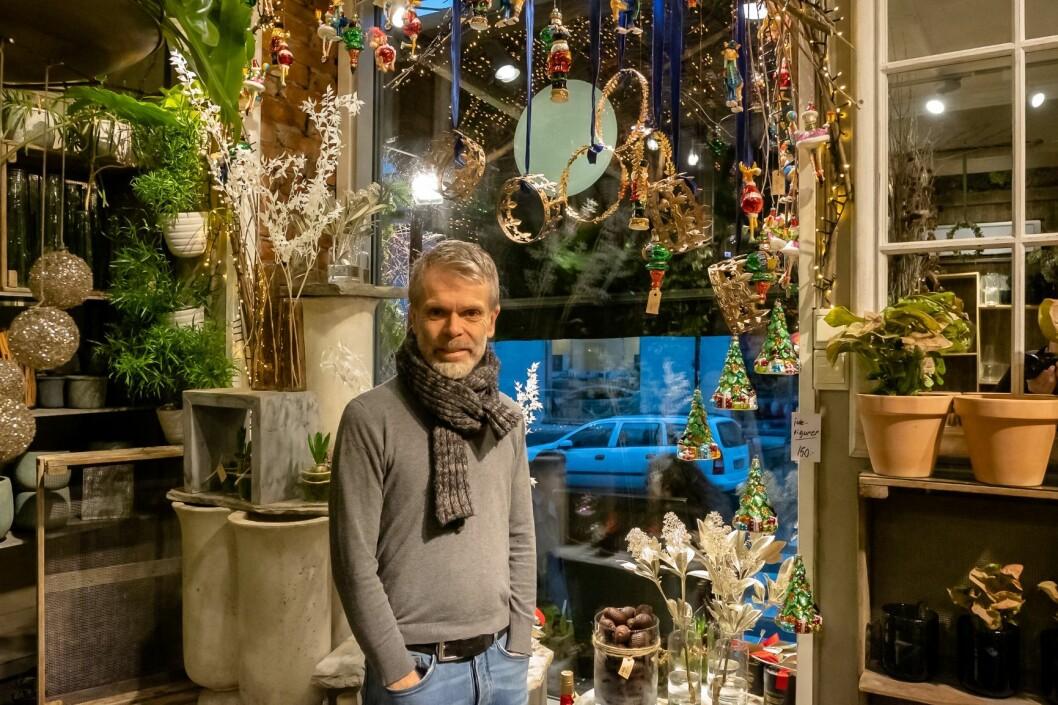 Tore Winther i Winther blomst fikk premien for flotteste butikkutstilling. Foto: Erik Holland Haukebø