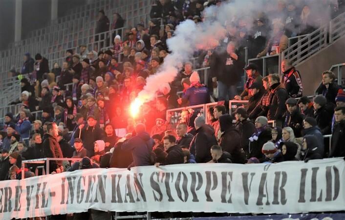 Klanens beskjed til fotballforbundet var klar � Vi vil ha bluss på kampene i Eliteserien. Foto: Andre Kjernsli