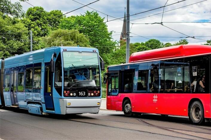 Det rødgrønne byrådet legger opp til storsatsing på utslippsfrie busser og hyppigere avganger på både trikk og buss i årene fremover. Foto: Birgitte Haneide / Ruter
