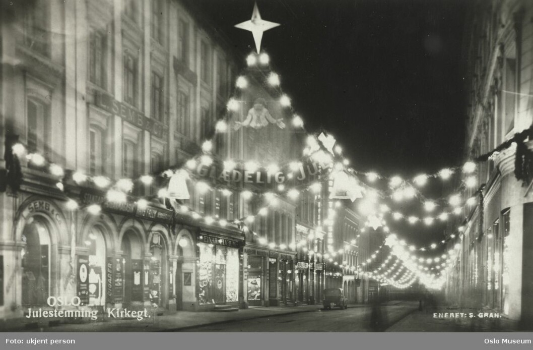Julestemning i Kirkegata rundt 1937. Foto: S. Gran / Oslo Museum